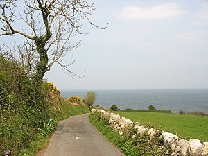 English: The road to the sea