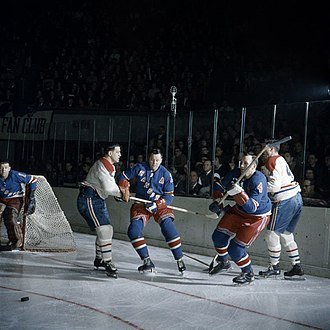 Montreal Canadiens - Game between the Canadiens and the New York Rangers in 1962.