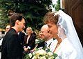Thomas Pusch gratulas al Ian kaj Judith Jackson.jpg