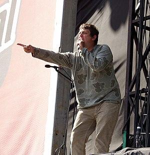 Tom Hingley - Tom Hingley onstage in 2003