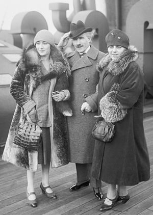 Arturo Toscanini - Toscanini with his wife and daughter Wally