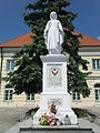 Town Hall in Łęczyca - Statue of Virgin Mary.JPG