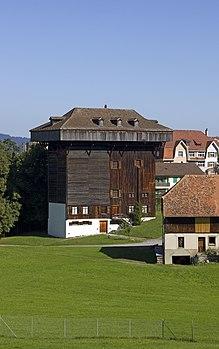 Tröckneturm Burgweiher.jpg