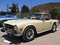 Triumph TR6 1972 (16083090635).jpg