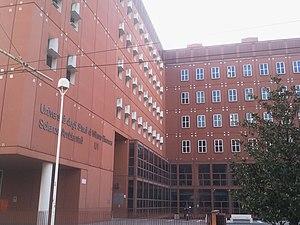 University of Milano-Bicocca - Image: U1 visto da piazza della Scienza, Milano