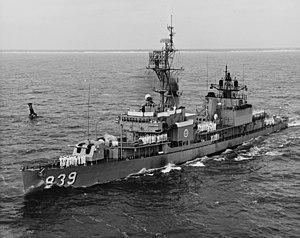 USS Power (DD-839) - Image: USS Power (DD 839) underway off the coast of Florida on 21 June 1966