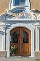 Velden Augsdorf Oberer Kirchenweg 9 Pfarrhof spätbarockes Portal 24122019 7345.jpg
