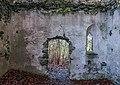 Velden am Wörther See Köstenberg Ruine Hohenwart Burgkapelle Fenster und Portal 08112018 5323.jpg