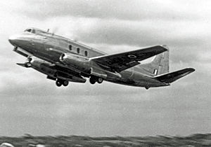 Rolls-Royce RB.44 Tay - Two early Tay engines under test in 1950 by the RAE in a Vickers Viscount