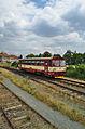 Vlak přijíždějící ze směru od Drahanovic do nádraží Čelechovice na Hané, okres Prostějov.jpg