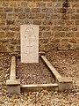 Vouziers-FR-08-cimetière communal-sépulture militaire britannique-13.jpg