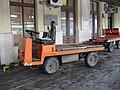 Vozidlo na hlavním nádraží v Brně.jpg