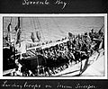 WW1; landing troops on mine sweeper Wellcome L0024986.jpg