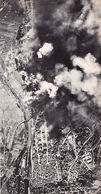 Schweinfurt - A USAAF raid on ball-bearing works in Schweinfurt in 1943