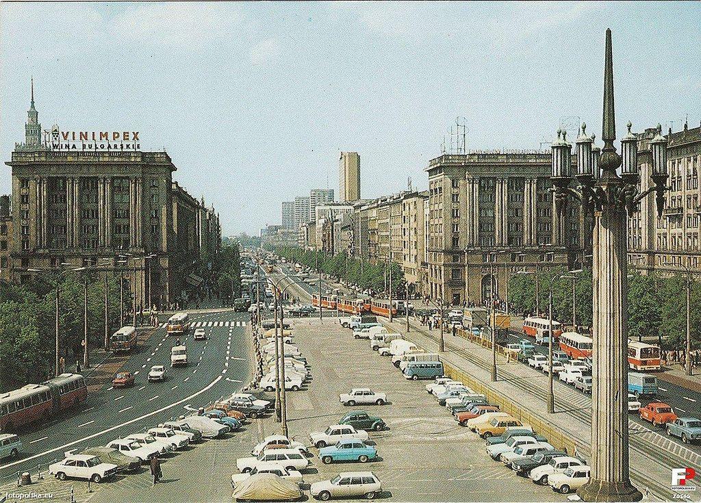 Place de la Constitution au coeur du projet MDM dans les années 1970 à Varsovie - Credit Fotopolska.eu