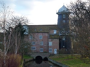 Union Mills, Burnham Overy - Image: Water mill and mill tower, Burnham Overy Town (geograph 3763752)