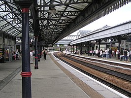 Wfm stirling station platforms.jpg