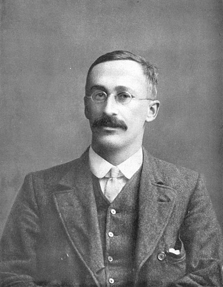 "William Sealy Gosset, who developed the ""t-statistic"" and published it under the pseudonym of ""Student"". William Sealy Gosset.jpg"