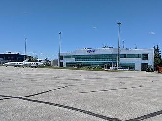 Oshawa Executive Airport - Image: YOO Main Terminal 2018
