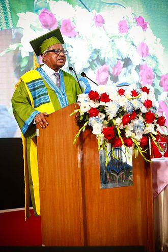BRAC University - BRAC University founder Sir Fazle Hasan Abed, KCMG,delivering speech at 11th Convocation of the university