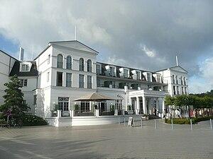 Zingst: Blick auf das Hotel Steigenberger