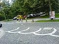 Zweifarbiges Kopfsteinpflaster als Straßenbelag - München, Obergiesing.JPG