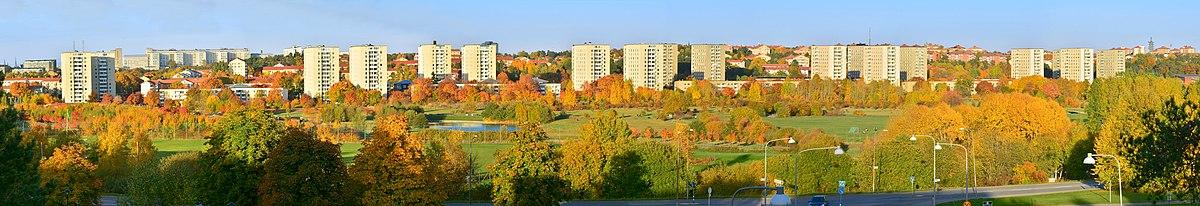 Panorama over Årstafeltet fra Östberga med Årstas bebyggelse i baggrunden.