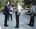 Ο ΥΠΕΞ κ. Δ. Δρούτσας με το Διοικητή της ΕΛΔΥΚ Σχη Συμεών Κεβετζίδη (4972092695).jpg