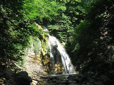 Водопад Джур-Джур.jpg