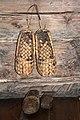 Музей деревянного зодчества. Лапти крестьянина.jpg
