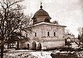 Надвратная церковь во имя Алексия, человека Божия, и въездные ворота ограды Горне-Успенского монастыря.jpg