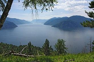 Lake Teletskoye - The lake from its northern bank