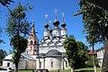 Церковь Антипы Пергамского и Лазаревская церковь со стороны ул.Ленина.jpg