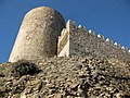 052 Castell de Montsoriu, mur est del recinte sobirà i torre mestra.jpg