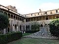 054 Sant Jeroni de la Murtra, claustre, angle sud-oest.JPG