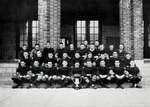 1917 Clemson Tigers football team - Image: 1917 Clemson Tigers football team (Taps 1918)
