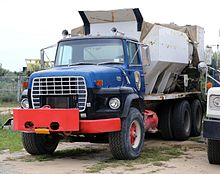 1981 ford lts 9000 cement mixer