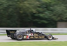 Une Lotus 78 en démonstration sur le circuit de Brands Hatch.