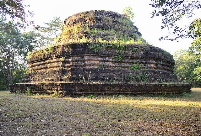 File:201401011632c (Hartmann Linge) Sukhotha Khao Phra Bat ...
