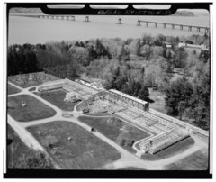 AERIAL VIEW FROM THE SOUTHEAST, CLOSEUP OF GREENHOUSE - Lyndhurst, Greenhouse, 635 South Broadway, Tarrytown, Westchester County, NY HABS NY,60-TARY,1B-33.tif