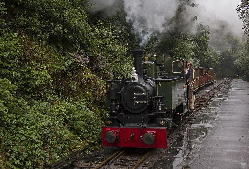 File:Abergynolwyn, Talyllyn Railway (29172919985).jpg