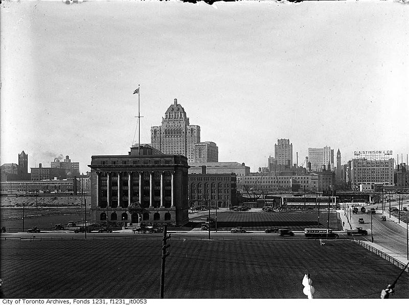 File:Aerial view of Toronto from south of Toronto Harbour Commission building.jpg