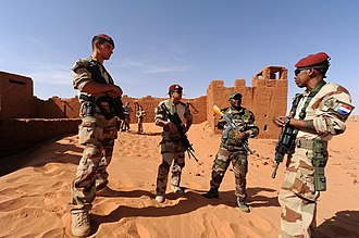 Operation Barkhane - French soldiers (3rd RPIMa) and Nigerien. Fort Madama in Niger, 12 November 2014.