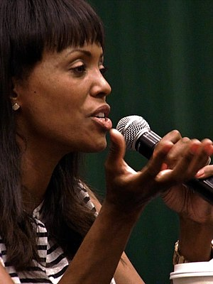 Aisha Tyler - Tyler signing at a Barnes & Noble bookstore in New York