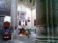 Altar de la Parroquia Santa Cruz y Soledad.jpg