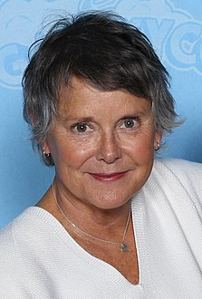 Amanda Bearse Photo Op GalaxyCon Louisville 2019.jpg