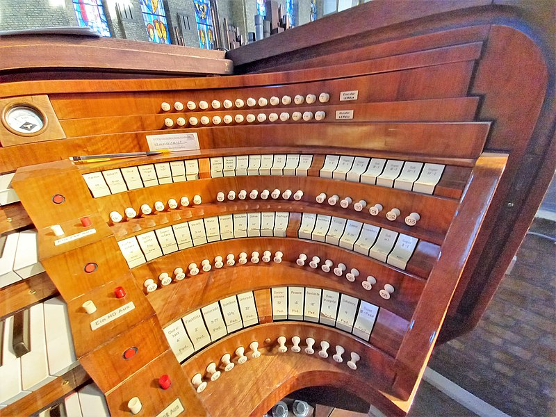 Datei:Antwerpen-Kiel, Christus-Koning (Klais-Orgel, Spieltisch) (8).jpg