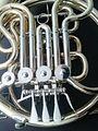 Aquest aparell es un instrument musical anomenat trompa--Te un so mol bonic i suau q al feia sonar val la pena escoltarla--Esta composta per una campana, uns pistons q serveixen per tocar diferents notes i dob 2013-10-10 16-13.jpg