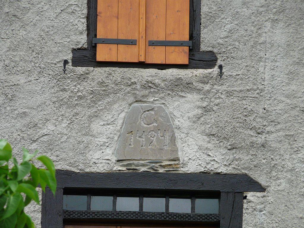 File artigue maison ancienne date jpg wikimedia commons for Ancienne maison des gardes lourmarin france