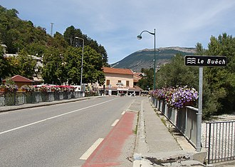 Aspremont, Hautes-Alpes - The bridge of the highway (formerly N75) over the River Buëch in Aspremont